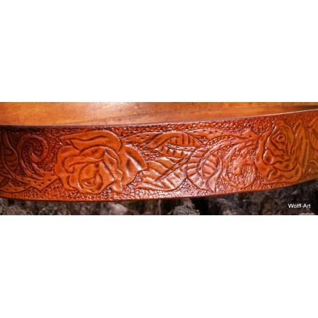 Color sample Varnished Tan Brown